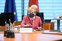 01 SEP 2021, BERLIN/GERMANY:<br /> Angela Merkel, CDU, Bundeskanzlerin, vor Beginn der Kabinettsitzung, Internationaler Konferenzsaal, Bundeskanzleramt<br /> IMAGE: 20210901-01-034<br /> KEYWORDS: Covid-19, Corona, Maske, Mundschutz