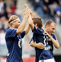 Fotball , tippeligaen , 26. Juli 2009 , Viking Stadion , Viking - Lyn , Andre Danielsen , Tomasz Sokolowski , Jone Samuelsen , Viking ,  Foto: Tommy Ellingsen