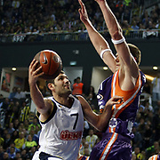 Fenerbahce Ulker's Omer ONAN (L) during their Euroleague Basketball Top 16 Game 2 match Fenerbahce Ulker between Power Electronics Valencia at Sinan Erdem Arena in Istanbul, Turkey, Thursday, January 27, 2011. Photo by TURKPIX