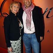NLD/Utrecht/20060319 - Gala van het Nederlandse lied 2006, Marleen Houter en partner Ron Peereboom - Voller