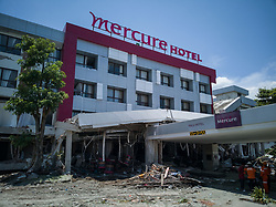 October 5, 2018 - Palu, Mid Sulawesi, Indonesia - Palu, Indonesia, 05 October 2018 : Aftermath earth quake at Palu. Evacuation of dead body still going on at beach Talisha, near the beach people held pray, praying for the dead. Thousands of people died from 7.7 SR earth quake that trigerred tsunami which destroyed thousands of houses and building near the beach and killed thousands of people. (Credit Image: © Donal HusniZUMA Wire)