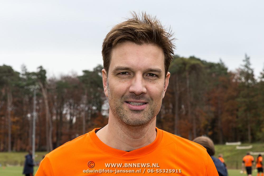NLD/Zeist/20191123 - persconferentie Nationaal Artiesten Elftal van de KNVB, Bas Muijs