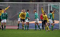 Fotball 17  oktober 2004 , førstedivisjon , Raufoss Stadion<br /> Raufoss  v  Mandalskameratene. (5-2)<br /> <br /> Mikke Öhrman jubler etter han har scoret 3-0 målet for Raufoss .<br /> Foto : Dagfinn Limoseth - Digitalsport