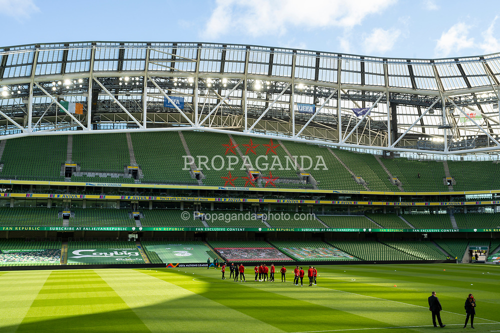 DUBLIN, REPUBLIC OF IRELAND - Sunday, October 11, 2020: Wales players on the pitch during the UEFA Nations League Group Stage League B Group 4 match between Republic of Ireland and Wales at the Aviva Stadium. The game ended in a 0-0 draw. (Pic by David Rawcliffe/Propaganda)