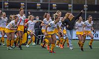 AMSTELVEEN -  vreugde  bij Den Bosch na de shoot outs bij  de halve finale wedstrijd dames EURO HOCKEY LEAGUE (EHL),  Amsterdam-HC Den Bosch. (1-1) Den Bosch wint shoot outs en plaats zich voor de finale.  COPYRIGHT  KOEN SUYK