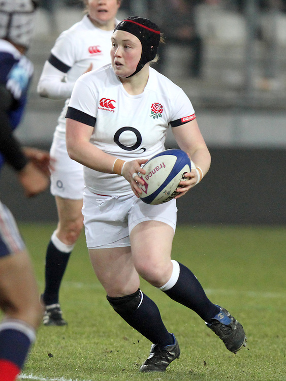 Laura Keates in action. France Women v England Women in the Six Nations 2014 at Stade des Alpes, Grenoble, France on Saturday 1st February 2014, kick off 2055