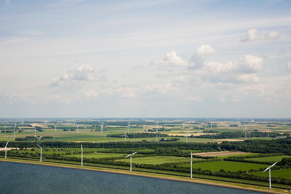 Nederland, Flevoland, IJsselmeerdijk, 09-04-2008; windmolens, onderdeel van het windmolenpark (of windpark) in het water van het IJsselmeer, omgeving van de Flevocentrale; turbine, wiek windturbine, windmolen, groene energie;. .luchtfoto (toeslag); aerial photo (additional fee required); .foto Siebe Swart / photo Siebe Swart