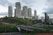 Belo Horizonte_MG, 25 de fevereiro de 2012<br /> <br /> Projeto Zona Morta<br /> <br /> Pesquisa de linguagem no bairro Belvedere e Vila da Serra<br /> <br /> Foto: LEO DRUMOND / NITRO