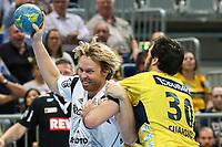 BILDET INNGÅR IKEK I FASTAVTALER. ALL NEDLASTING BLIR FAKTURERT.<br /> <br /> Håndball<br /> Tyskland<br /> Foto: imago/Digitalsport<br /> NORWAY ONLY<br /> <br /> v.li.: Erlend Mamelund (RL/RM, THW, 9), Gedeon Guardiola (KM, RNL, 30), Zweikampf, Duell, duel, tackle, Dynamik, Action, Aktion, Handball, DKB Bundesliga, Rhein-Neckar Löwen - THW Kiel