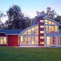 Sturgeon Bay, Wisconsin second home by Lake Michigan designed by Kipnis Architects + Planners.