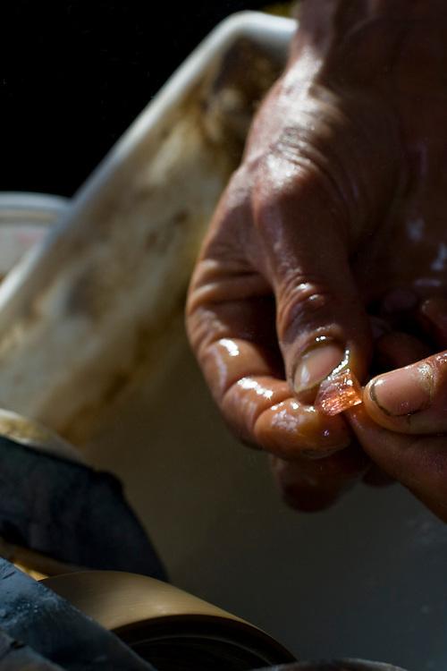 Ouro Preto_MG, Brasil...Processo produtivo e pecas prontas das pecas artesanais de pedra e prata produzidas pela Associacao de Artesaos, da cidade de Santo Antonio do Leite...The craft production of stones and silver produced by the Associacao de Artesaos, in the city Santo Antonio do Leite...Foto: BRUNO MAGALHAES /  NITRO