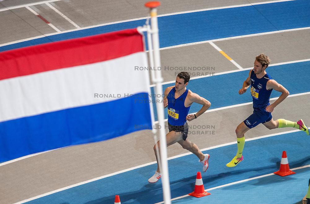 12-02-2017 NED: AA Drink NK Indoor, Apeldoorn<br /> Thijmen Kupers wint de 800 meter, 2de Vincent Hazeleger  166 en 3de Wilfred van Holst 188