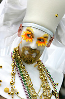 6/12/05-WEST HOLLYWOOD- A member of The Sisters of Perpetual Indulgence makes eyes at they crowd at the 35th Annual Lesbian, Gay, Bisexual, Transgender Pride Parade held Sunday. DAVID SPRAGUE/DAILY NEWSi