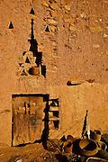 biblioteca fondation ahmed al mahmoud com manuscritos arabes do sec XI ao XIX. chinguetti, mauritania. africa2007.