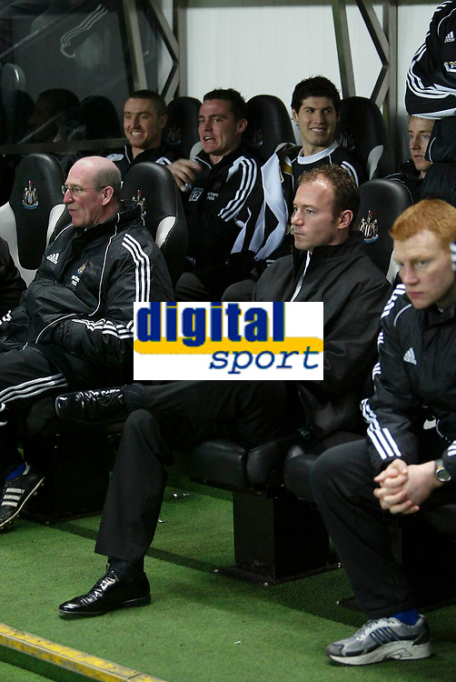 Photo: Andrew Unwin.<br /> Newcastle United v Southampton. The FA Cup. 18/02/2006.<br /> Newcastle's assistant caretaker-manager, Alan Shearer (C).