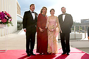 Staatsbezoek aan Luxemburg dag 2 / State visit to Luxembourg day 2<br /> <br /> Op de foto / On the photo: Koning Willem Alexander en koningin Maxima met Groothertog Henri en Groothertogin Maria Teresa tijdens de Contraprestatie in de Philharmonie / King Willem Alexander and Queen Maxima with Grand Duke Henri and Grand Duchess Maria Teresa during the Contra Performance in the Philharmonie