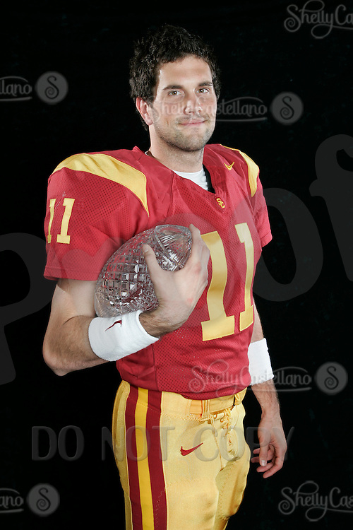 7 April 2005: USC Trojans Quarterback #11 Matt Leinart with the Crystal National Championship 2004 Trophy Portrait headshot eyeshot smile.Pac-10 College Football EXCLUSIVE.