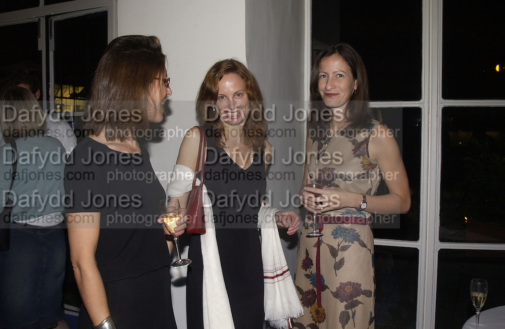 Michelle Lavery, Deborah Treisman. party for Anthony Lane's book hosted  given by David Remnick, editor of the New Yorker. River Cafe. 12 November 2002.  © Copyright Photograph by Dafydd Jones 66 Stockwell Park Rd. London SW9 0DA Tel 020 7733 0108 www.dafjones.com