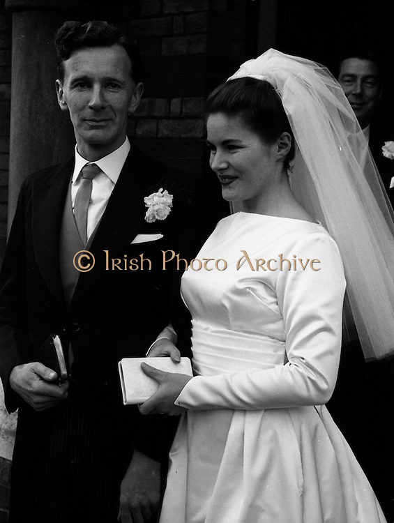 06/02/1964<br /> 02/06/1964<br /> 06 February 1964<br /> Wedding of Sean Manley and Eithne Lydon at University Church Dublin. pictures after the ceremony were Mr Sean Manley elder son of Mr and Mrs Tadhg Manley, St. Luke's Place, Cork and Miss Eithne Lydon (a Former actress with the Abbey Theatre and Taibhdheare na Gaillimhe) daughter of Mr and Mrs Thomas Lydon, Abnegate Street, Galway. The couple leaving the church after the ceremony.