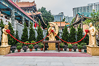golden statues at Sik Sik Yuen Wong Tai Sin Temple Kowloon in Hong Kong