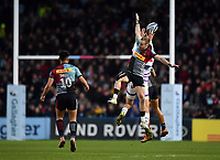 Rugby Union - 2018 / 2019 Gallagher Premiership - Harlequins vs. Leicester Tigers<br /> <br /> Harlequins' Charlie Walker challenges for the high ball, at The Stoop.<br /> <br /> COLORSPORT/ASHLEY WESTERN