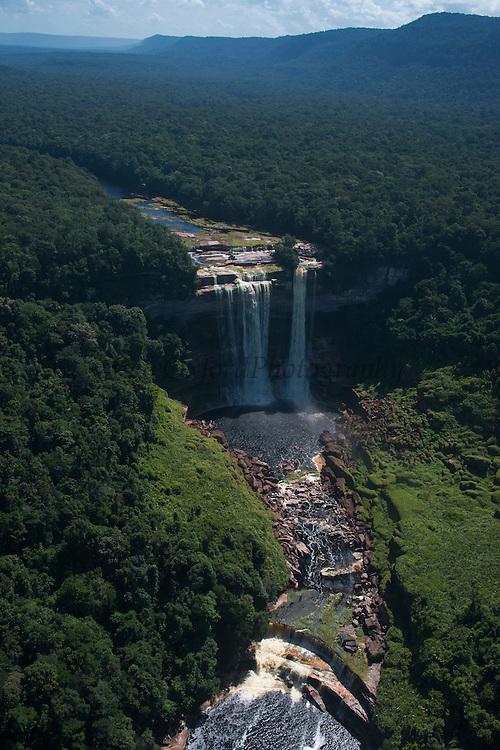 Kumerau Falls<br /> Kurupung River<br /> Pakaraima Mountains<br /> GUYANA<br /> South America