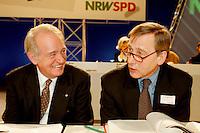 31 JAN 1998, DORTMUND/GERMANY:<br /> Johannes Rau, SPD, Ministerpräsident Nordrhein-Westfalen, und Wolfgang Clement, SPD, Wirtschaftsminister Nordrhein-Westfalen, auf dem Landesparteitag der SPD NRW<br /> IMAGE: 19980131-01/04-02