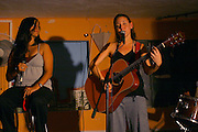 Israeli singer Paz Glazer is performing at the Sabcuch Milega pab in Tel Aviv.  Sep 9, 2007.