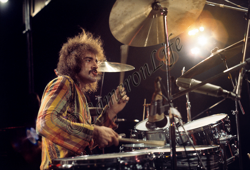 Clive Bunker - Jethro Tull .-.Born and raised in Luton, Bedfordshire, Bunker was probably one of Britain's most under-estamated drumming greats. He put in a fantastic performance at the Festival and helped Jethro Tull to a top spot amongst the Festival crowd. Clive was to leave the group in 1971 to get married. His solo album 'Awakening' was released in 1998.