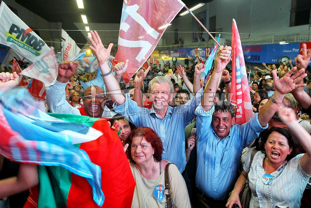 O prefeito eleito de Porto Alegre, José Fortunati e seu vice, Sebastião Melo durante festa da vitória na sede do comitê central. FOTO: Jefferson Bernardes/Preview.com