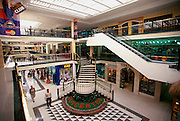 ECUADOR, QUITO, LIFESTYLE Quicentro high-end shopping mall