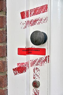 Nederland, Wageningen, 16-3-2013De verzegelde deur van de woning van een vermoorde vrouw. Door de technische recherche verzegeld. Foto: Flip Franssen/Hollandse Hoogte