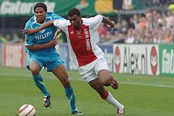 07-05-2006 VOETBAL: FINALE GATORADE CUP: AJAX - PSV: ROTTERDAM<br /> Ryan Babel in duel met Michael Lamey die later een overtreding begaat en rood krijgt<br /> ©2006-WWW.FOTOHOOGENDOORN.NL
