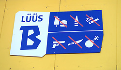 Signage prohibiting fans from brinnging food, alcohol, tobacco or weapons into the stadium