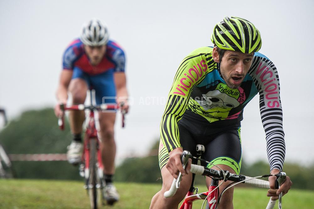Rd 3 - Eastern Cyclo-cross League, Knights Templar Sports Centre Baldock, UK on 21 September 2013. Photo: Simon Parker