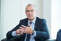 """18 AMY 2017, BERLIN/GERMANY:<br /> Dr. Werner Goetz, Vorsitzender der Geschäftsfuehrung der TransnetBW GmbH, Veranstaltung des Wirtschaftsforums der SPD """"Netzausbaualternativen"""", EnBW Hauptstadtrepräsentanz<br /> IMAGE: 20170518-01-100<br /> KEYWORDS: Werner Götz"""