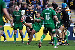 Halani Aulika of London Irish box-kicks the ball - Photo mandatory by-line: Patrick Khachfe/JMP - Mobile: 07966 386802 21/12/2014 - SPORT - RUGBY UNION - Coventry - Ricoh Arena - Wasps v London Irish - Aviva Premiership