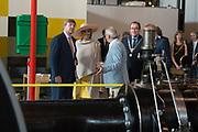Koning Willem-Alexander en koningin Maxima tijdens hun streekbezoek aan Zeeuws Vlaanderen<br /> <br /> King Willem-Alexander and Queen Maxima  during their visit to Zeeuws Vlaanderen.<br /> <br /> Op de foto / On the photo:  Rondleiding door Industrieel Museum Zeeland / Touring the Industrial Museum Zealand