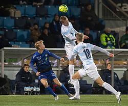 Jonas Henriksen (FC Helsingør) og Mathias Høst (HB Køge) under kampen i 1. Division mellem HB Køge og FC Helsingør den 4. december 2020 på Capelli Sport Stadion i Køge (Foto: Claus Birch).