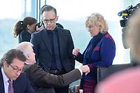 04 MAR 2020, BERLIN/GERMANY:<br /> Horst Seehofer, CSU, Bundesinnenminister, Heiko Maas, SPD, Bundesaussenminister, Christine Lambrecht, SPD, Bundesjustizministerin, (v.L.n.R.), im Gespraech, vor Beginn der Kabinettsitzung, Bundeskanzleramt<br /> IMAGE: 20200304-01-036<br /> KEYWORDS: Kabinett, Sitzung, Gespräch