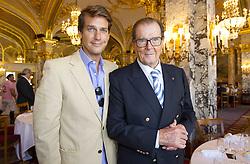 Roger Moore und Sohn Christian bei der Monte Carlo Polo Cup Parade in Monaco / 160916<br /> <br /> ***  Monte Carlo Polo Cup Parade at Place du Casino, Hotel de Paris, Monaco, September 16, 2016 ***