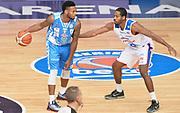 DESCRIZIONE : Cantu' Lega A 2015-16 Acqua Vitasnella Cantu' - Dinamo Banco di Sardegna Sassari<br /> GIOCATORE : MarQuez Haynes<br /> CATEGORIA : palleggio<br /> SQUADRA : Dinamo Banco di Sardegna Sassari<br /> EVENTO : Campionato Lega A 2015-2016 GARA : Acqua Vitasnella Cantu' - Dinamo Banco di Sardegna Sassari <br /> DATA : 12/10/2015 <br /> SPORT : Pallacanestro <br /> AUTORE : Agenzia Ciamillo-Castoria/R.Morgano<br /> Galleria : Lega Basket A 2015-2016 Fotonotizia : Cantu' Lega A 2015-16 Acqua Vitasnella Cantu' - Dinamo Banco di Sardegna Sassari