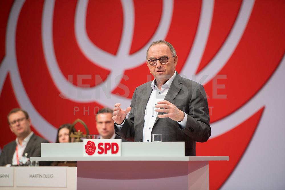 DEU, Deutschland, Germany, Berlin, 06.12.2019: Der neu gewählte SPD-Parteivorsitzende Norbert Walter-Borjans beim Bundesparteitag der SPD im CityCube.