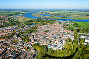 Nederland, Gelderland, Neder-Betuwe, 30-09-2015;  stadscentrum Culemborg, rivier de Lek in het verschiet. Grote of Sint-Barbarakerk <br /> Sint-Barbarakerk (katholiek), Lanxmeerpoort (Binnenpoort) en Molen de Hoop.<br /> City centre Culemborg and river Lek..<br /> luchtfoto (toeslag op standaard tarieven);<br /> aerial photo (additional fee required); copyright foto/photo Siebe Swart.