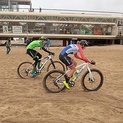 09-12-2018: Wielrennen: EK beachrace: Scheveningen<br />Pauline Rooijakkers, Riejanne Markus