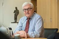 15 JAN 2013, BERLIN/GERMANY:<br /> Frank-Walter Steinmeier, SPD Fraktionsvorsitzender, waehrend einem Interview, in seinem Buero, Jakob-Kaiser-Haus, Deutscher Budnestag<br /> IMAGE: 20130115-01-029<br /> KEYWORDS: Büro