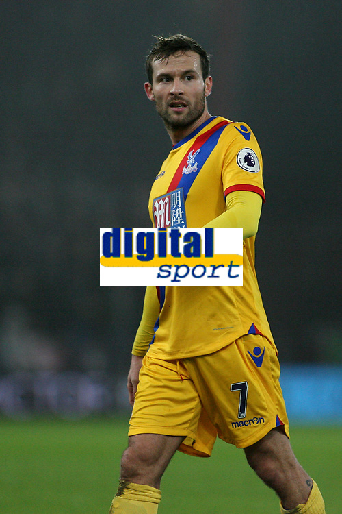 Football - 2016 / 2017 Premier League - AFC Bournemouth vs. Crystal Palace<br /> <br /> Yohan Cabaye of Crystal Palace at Dean Court (The Vitality Stadium) Bournemouth<br /> <br /> COLORSPORT/SHAUN BOGGUST