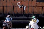= Tarahumaras Indians, celebrated by the French poet , Antonin Artaud, offer their hand made products to the travelers  /// les indiens Tarahumaras celebres par le poète français Antonin Artaud, proposent leur artisanat aux voyageurs. +