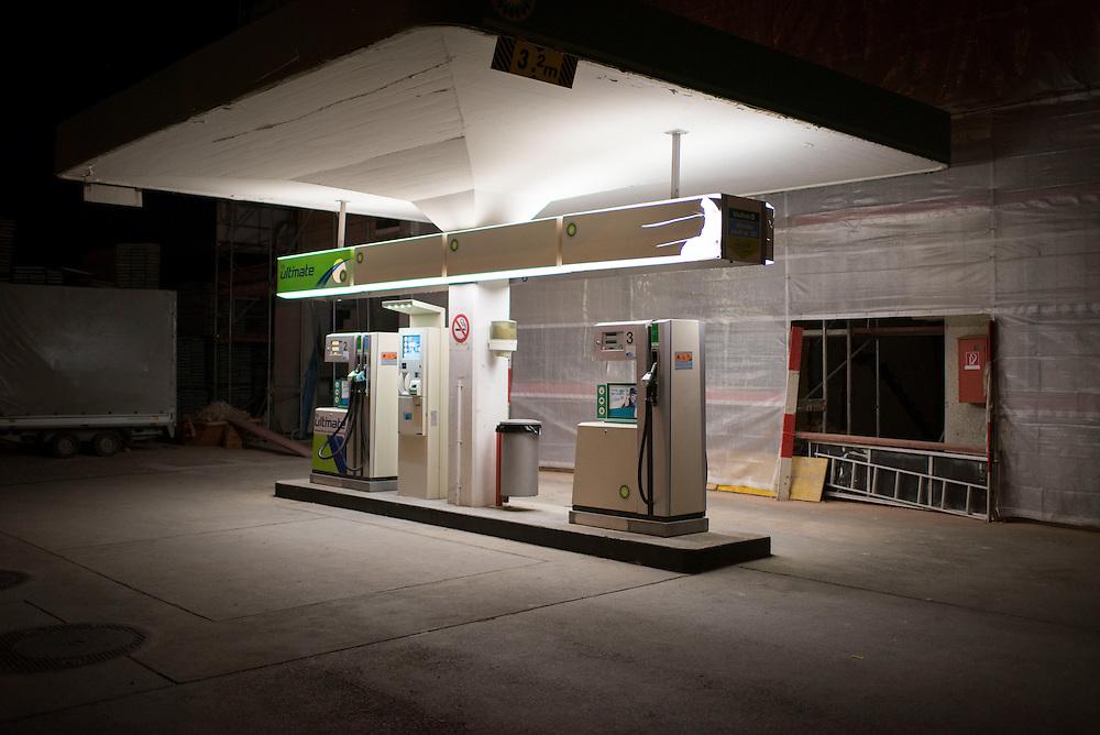 12.08.2016; Weiach; Tankstelle an der Kaiserstuhlerstrasse<br /> (Steffen Schmidt)