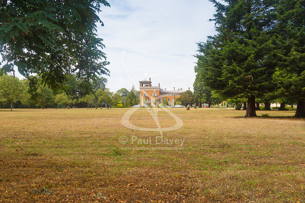 MailOnline<br /> Oatlands Park Hotel in Weybridge, Surrey, where it is reported that a Traveller attempted to set up camp on the grounds of the resort, and is alleged to have demanded a sum of money in order to move off the private property. He was subsequently arrested by police. Weybridge, Surrey, August 16 2018.
